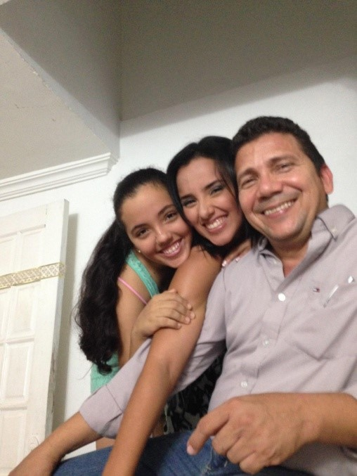 Carlos & his daughters