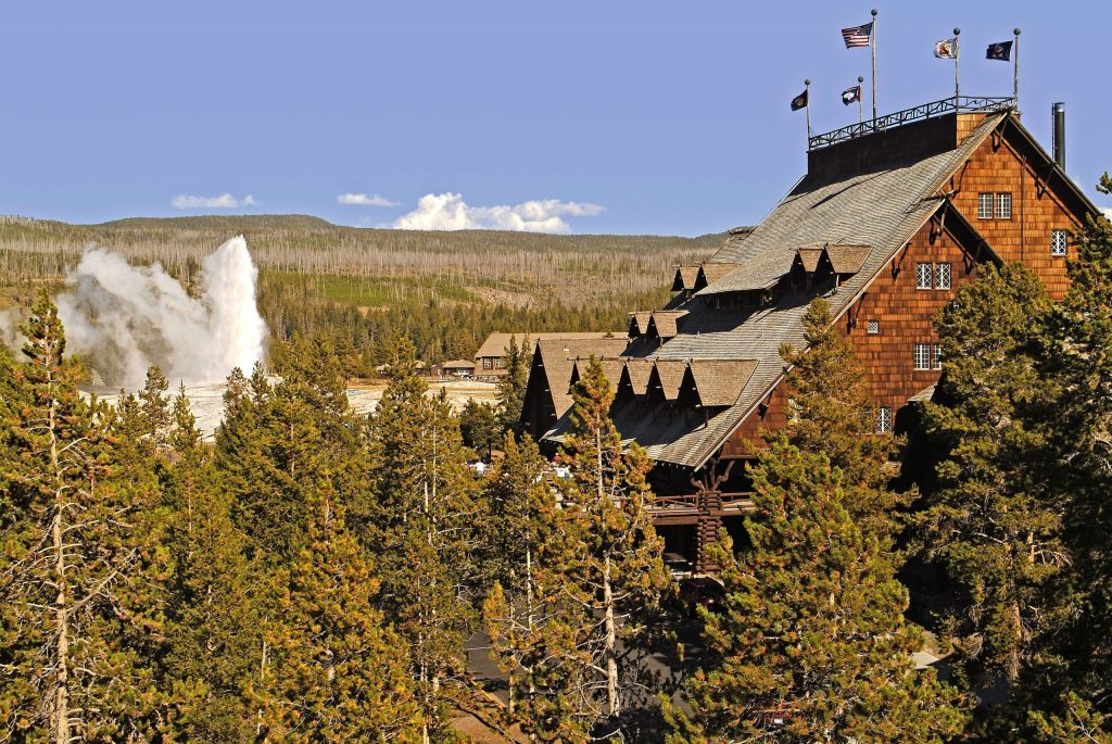 Blog - Old Faithful Inn