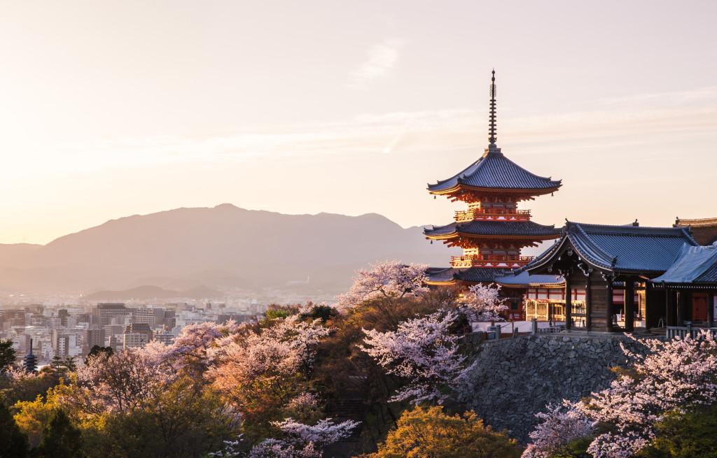 credit go-today -shutterstock_403209976-Kiyomizu-dera-Temple