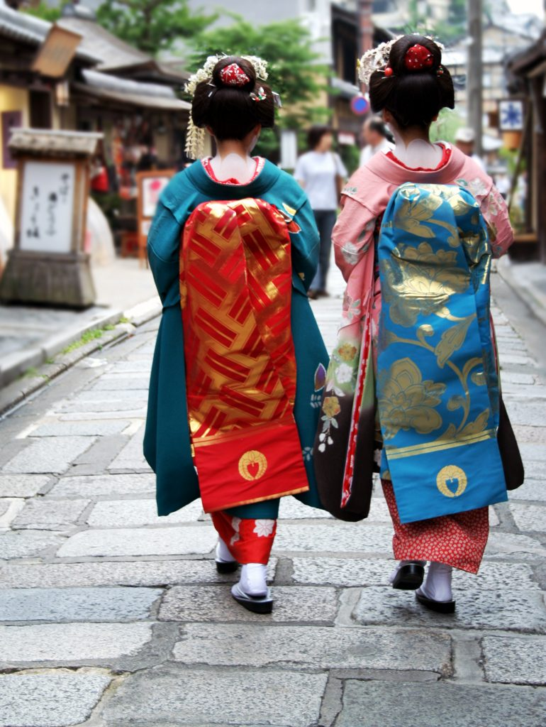 geisha girls shot from the back_501653