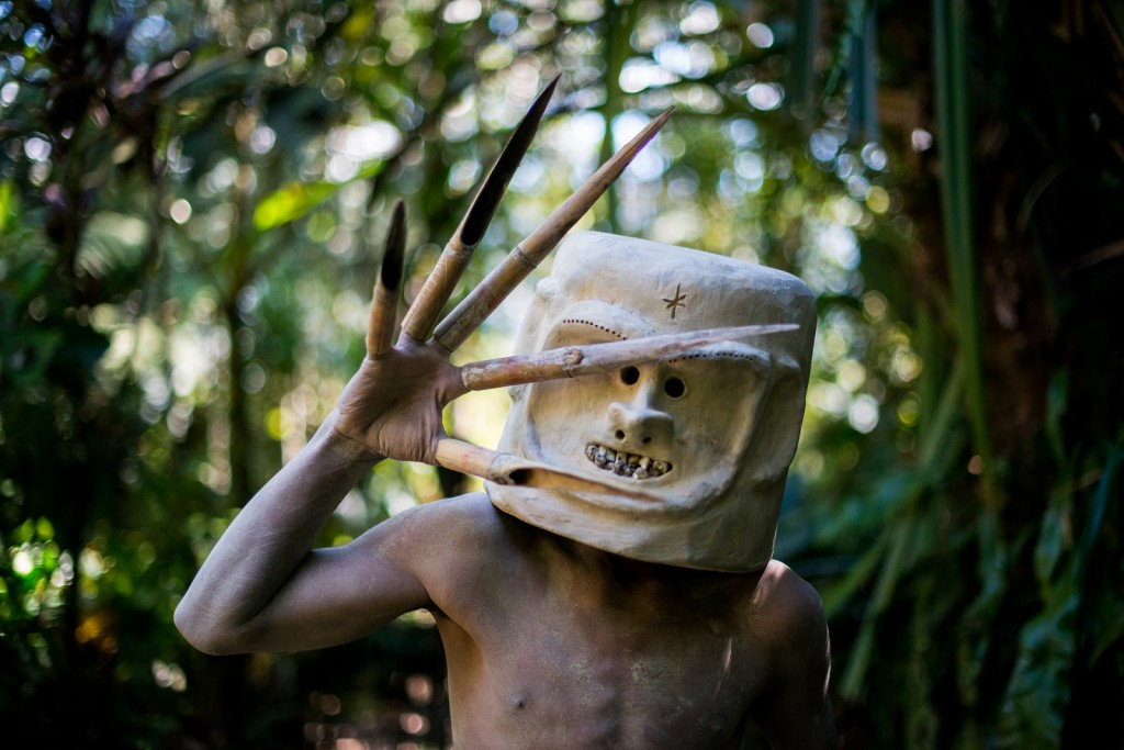 Mudmen make their helmets from river mud and stone, and sometimes decorate them with human teeth, horns, and feathers. The fingers pieces are made from sharpened bamboo.