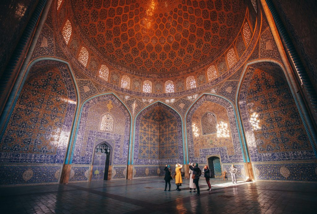 Intrepid Travel-Iran_esfahan_Sheikh_lotfollah_mosque_049A4102